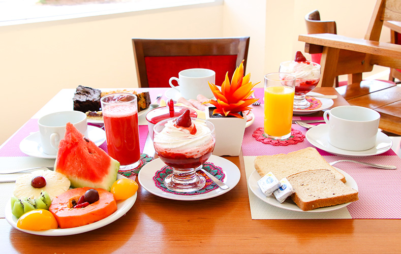 Mesa desayuno olimpo